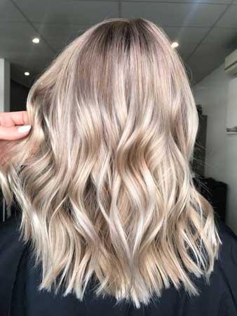Šampanj bronde boja kose