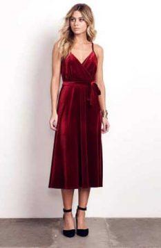 crvena somotska haljina