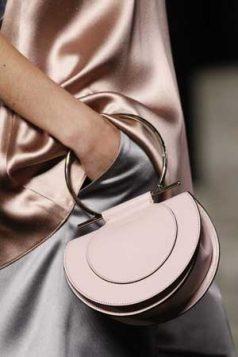 roze pastelna torba