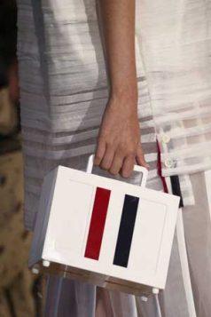 kutija torba sa prugama