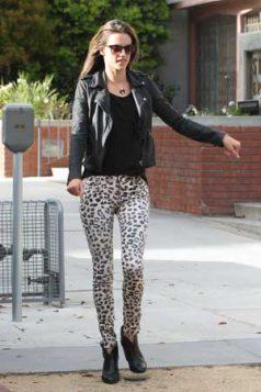 uske leopard print pantalone