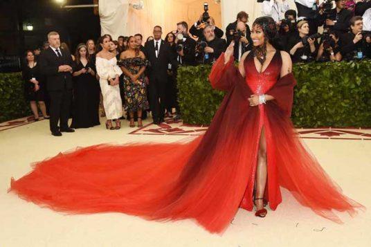 Nicki Minaj odabrala je haljinu Oskara de la Rente.