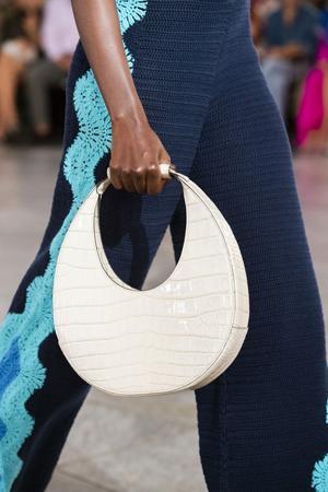 bela kroasan torba