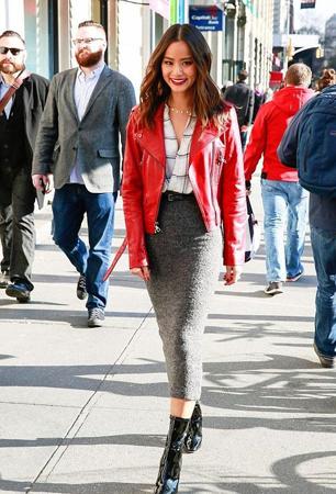 crvena kraca kozna jakna