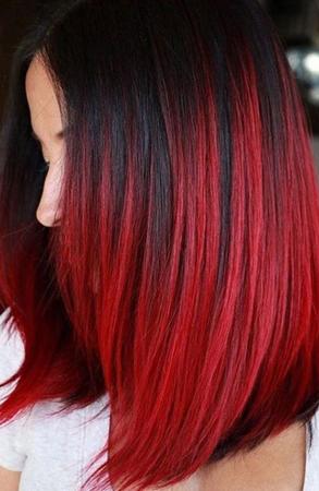 crvena boja kose sa crnim pramenovima