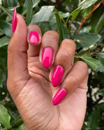 roze moderni nokti za prolece