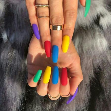 dugine boje moderni nokti za prolece